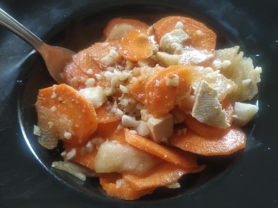 Ricetta all'hemp Tofu, carote e pere